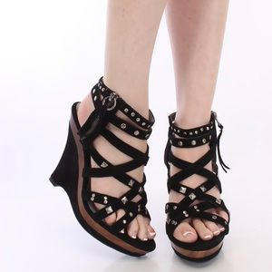 Qupid Black Strappy Studded Wood Wedges Size 8